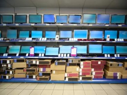 laptops-in-shop