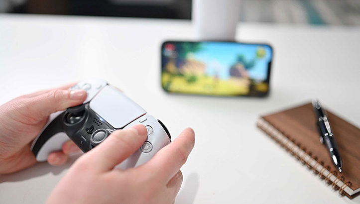 iPhone PlayStation 5